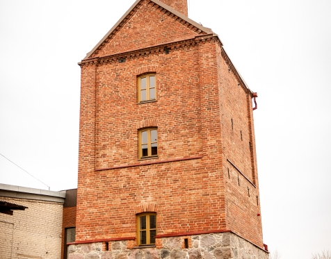 Atidarytas Stakliškių senovinio bokšto muziejus